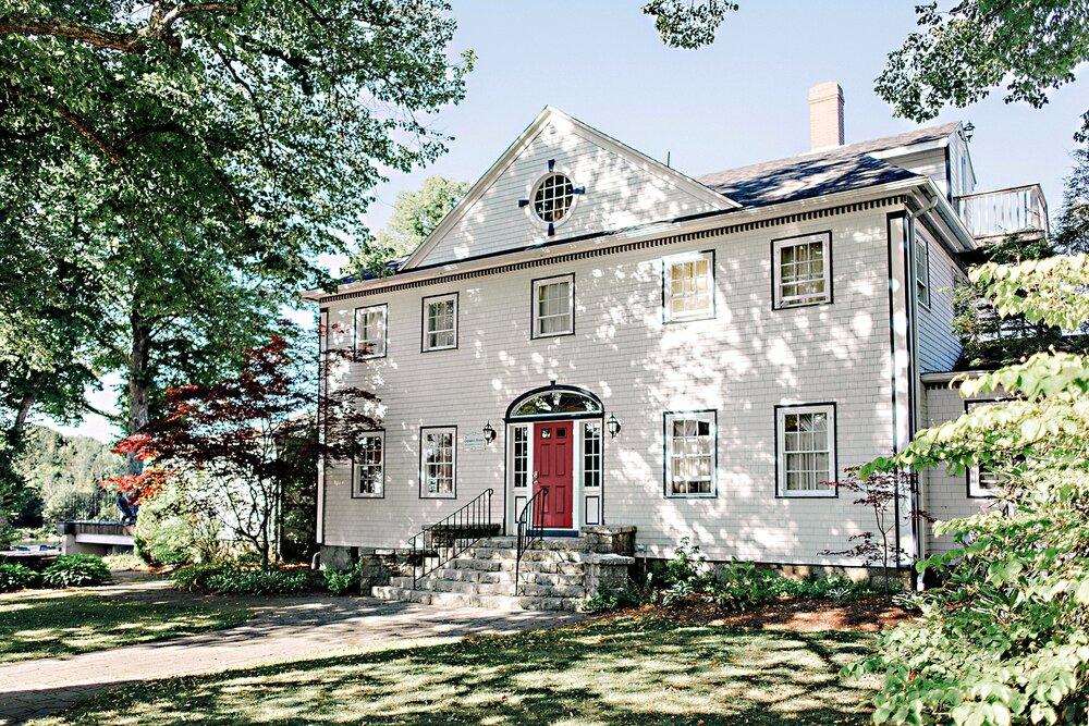 Chester-Captain's House-Outdoor-Wedding-Halifax-Photographer_001.jpg