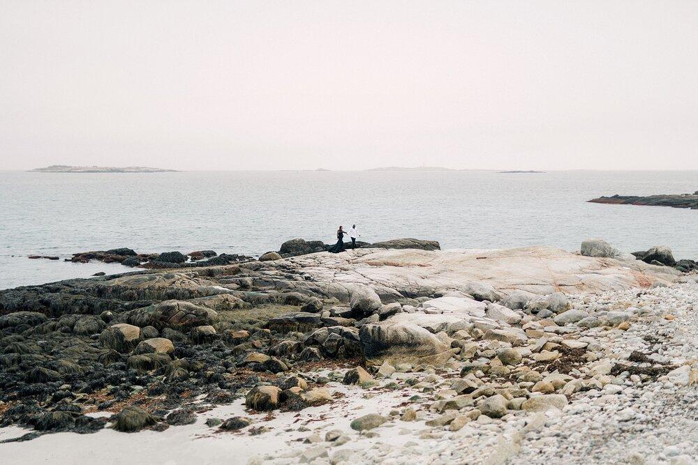 Halifax-Maternity-Photographer-Beach-Session-crystal crescent beach_05.jpg