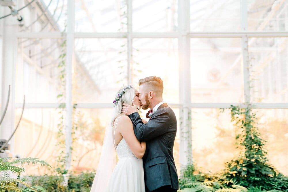 Halifax-Wedding-Photographer-summer-hurricane-wolfville-acadia-vineyard-st famille_25.jpg